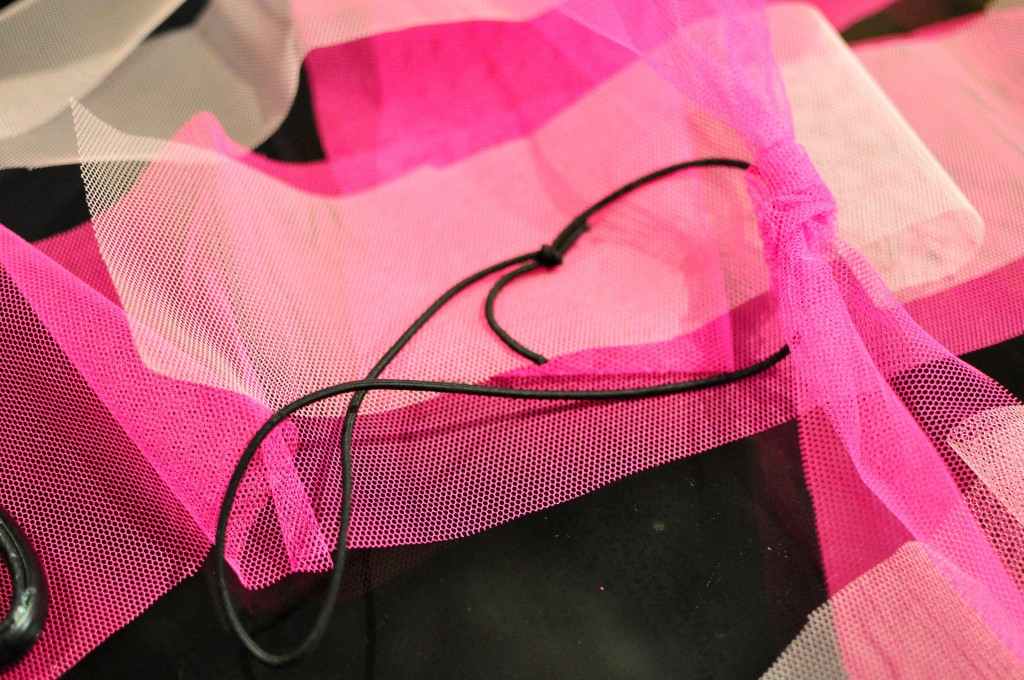 how to make a tutu -- tie the tulle to the elastic