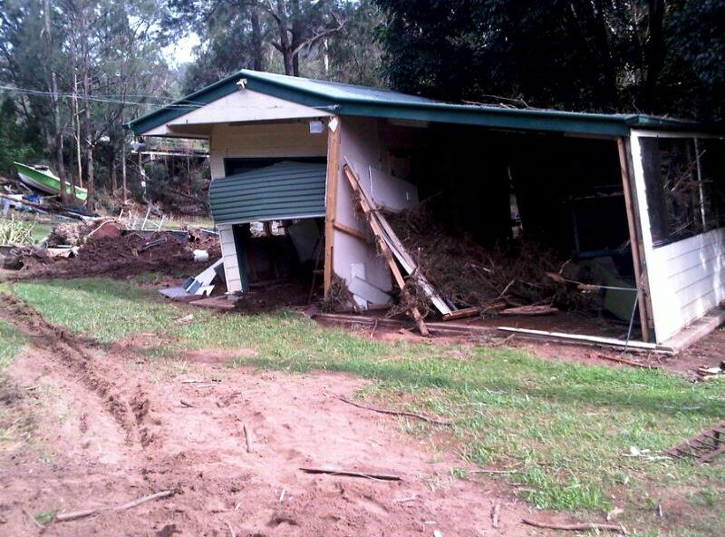 queensland floods clean up