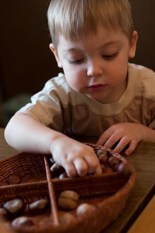 montessori sensory box