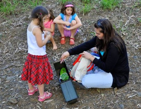 adventurous things to do with kids: geocaching