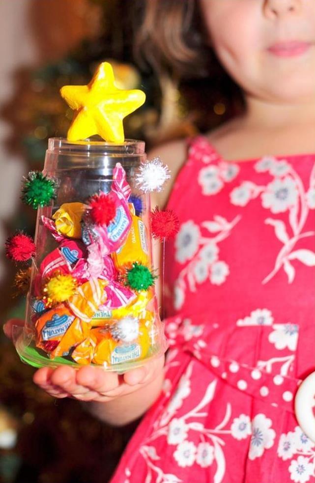 christmas craft -- christmas tree plastic cup craft