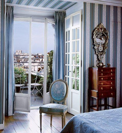 French decor design:  chic paris apartments