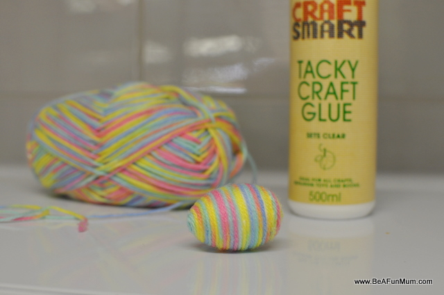 decorating easter eggs: wool easter egg