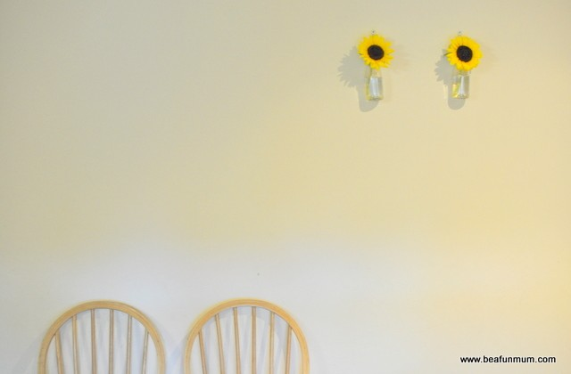 DIY: Stunningly Simply Hanging Wall Vase