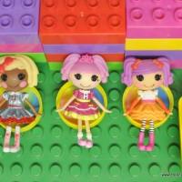 Milk Bottle Lid crafts: Rainbow Chairs