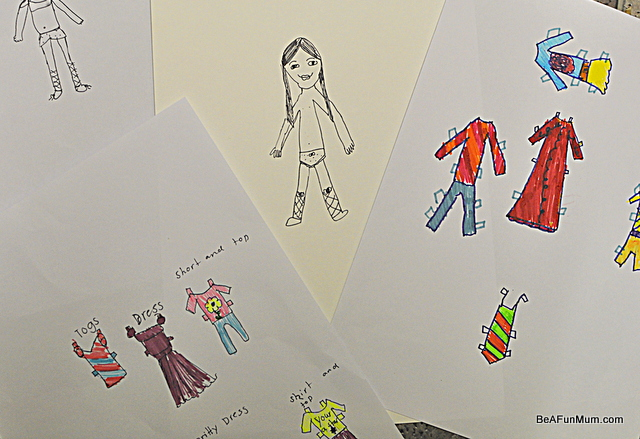 making paper dolls to post gift