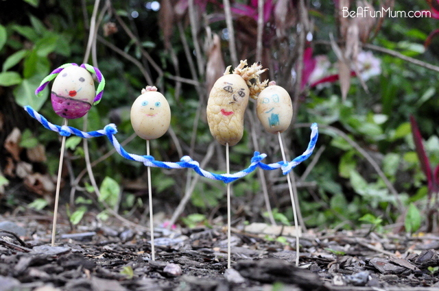 potato head scarecrow family