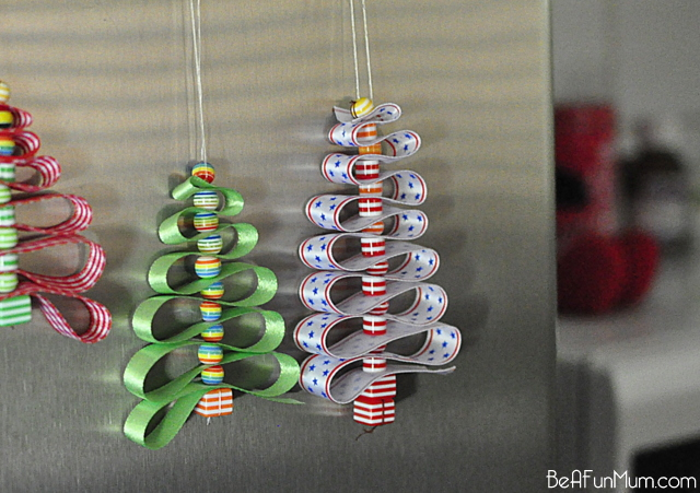 Cute Christmas Decorations using ribbon