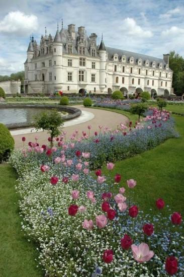 Château de Chenonceau in France -- gardens