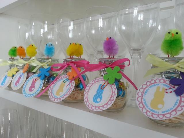 Easter craft for kids -- easter chicky jars