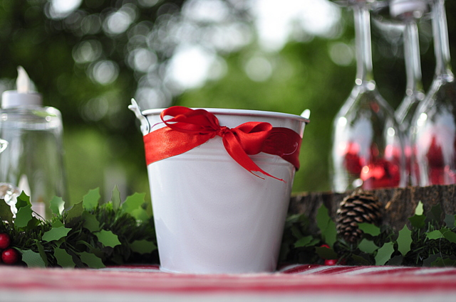 Scrap bucket for Christmas Table - dress up a bucket with a themed ribbon - beafunmum.com