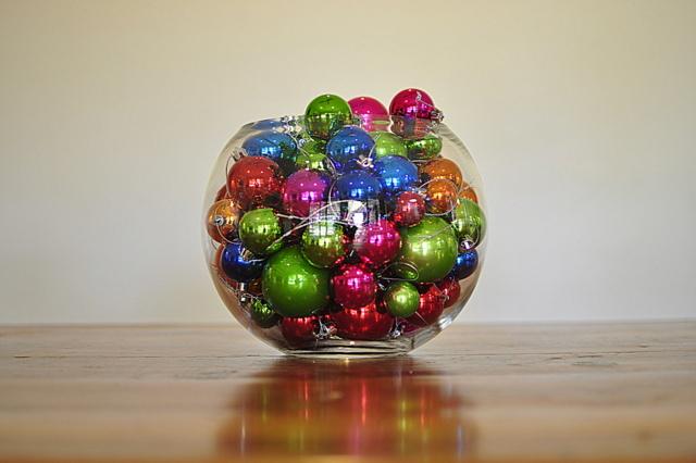 bright Christmas theme - Christmas table beafunmum.com