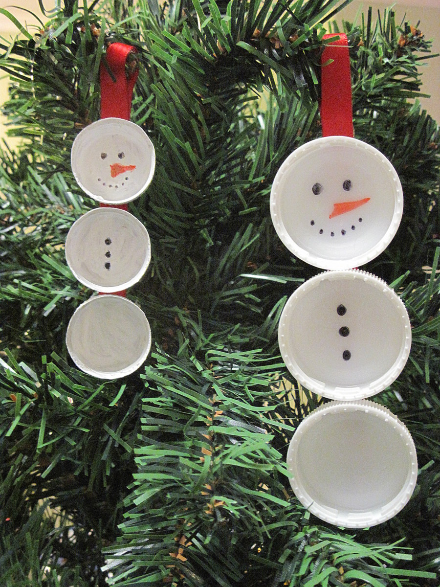 bottle lid snowman handmade Christmas decoration
