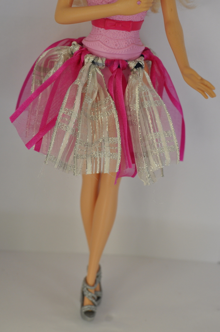 DIY Barbie Clothes - Ribbon Tutu