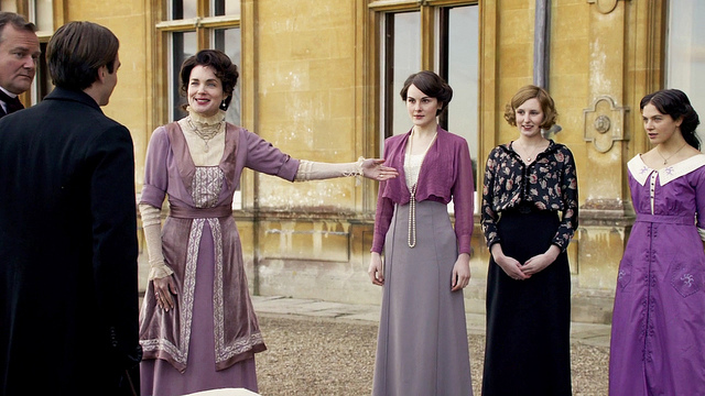 Downtown Abbey Fashion - Season 1