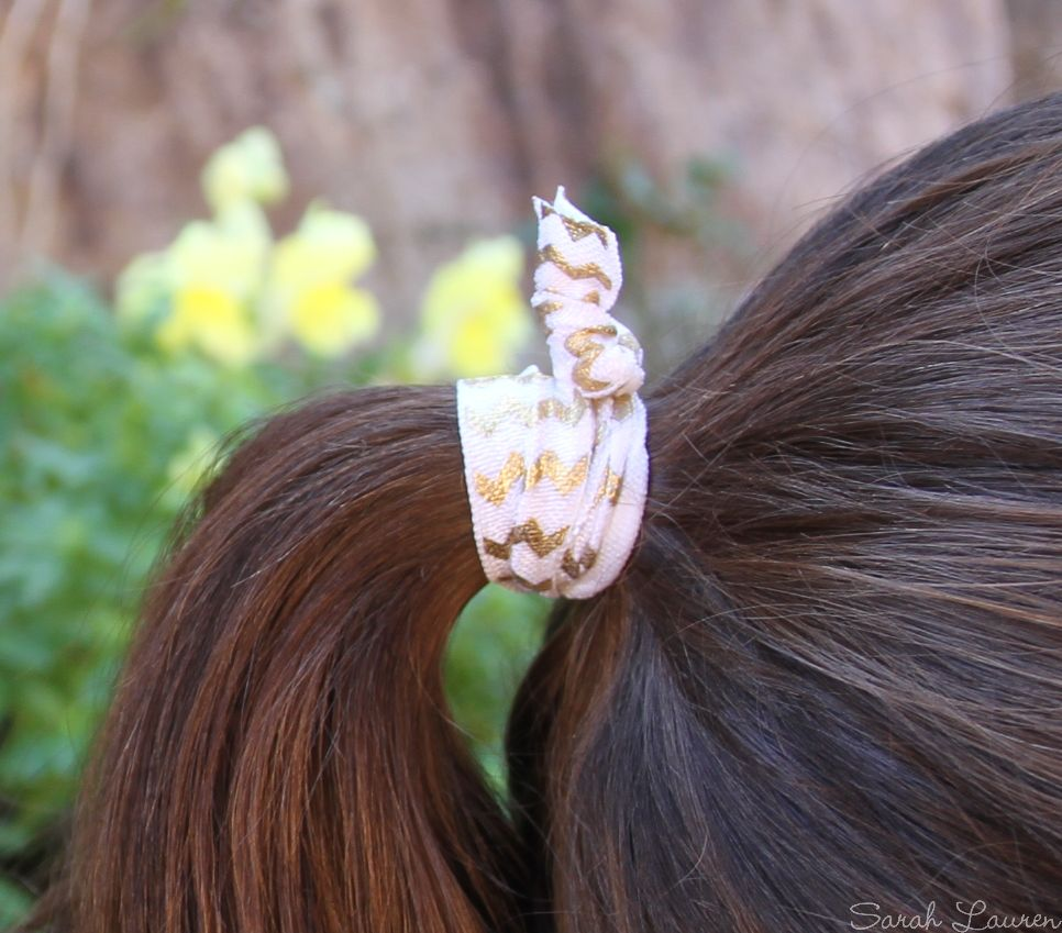 FOE hair tie in use