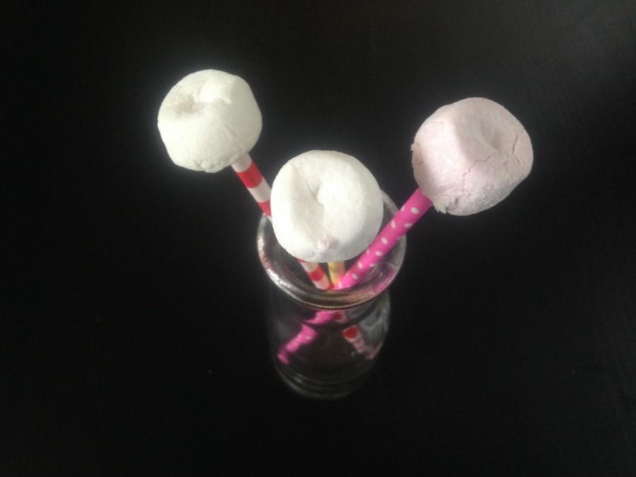 Easy Marshmallow Pops