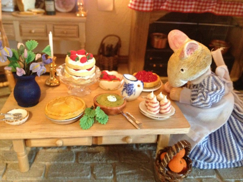 Brambly Hedge - mouse dollhouse - kitchen