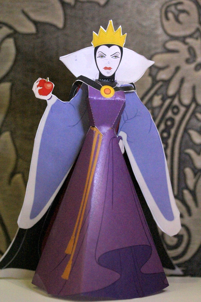 Snow White - Evil Queen Paper Doll