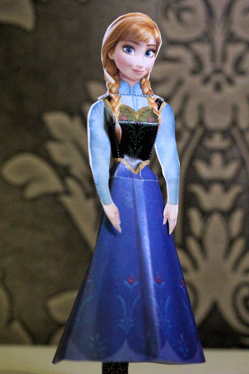 Frozen - Anna Paper Doll