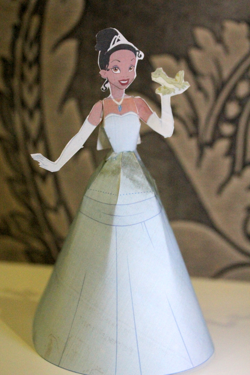 The Princess and The Frog - Tiana Paper Doll