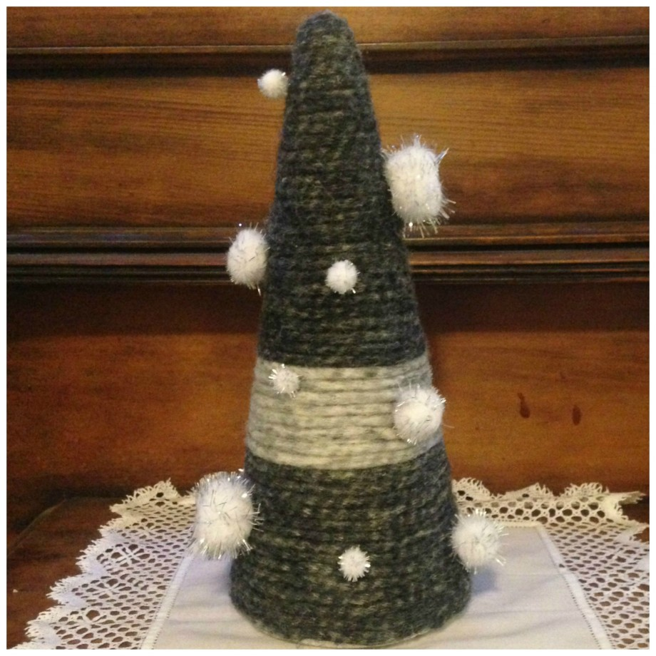 christmas crafts - wool christmas tree