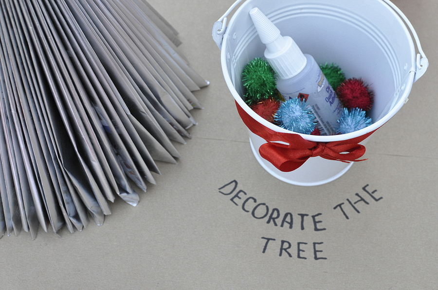 Kids Christmas Table Idea - decorate the tree