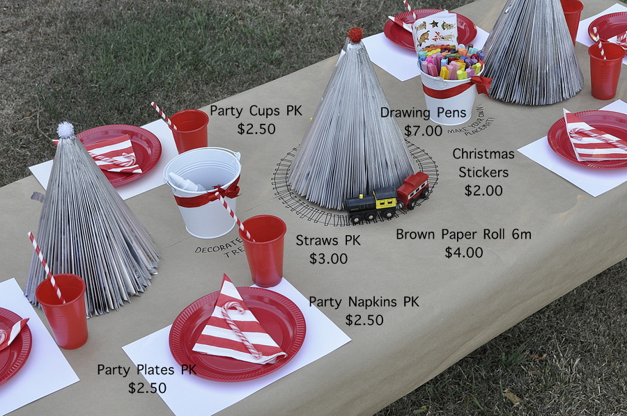 Kids Christmas Table Idea - Train track on the table