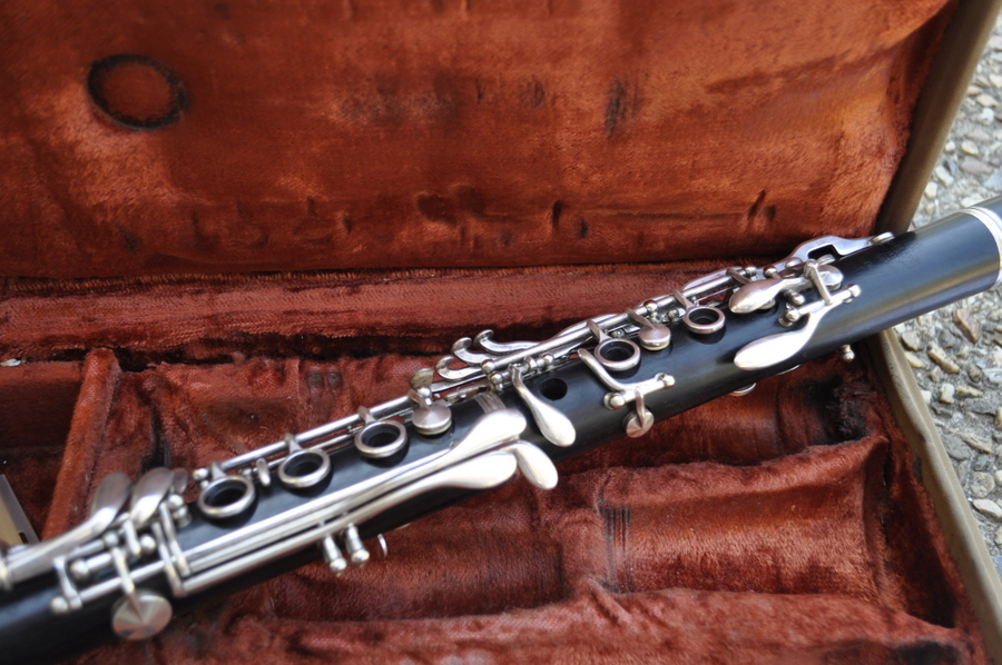 LeBlanc Clarinet - brown case