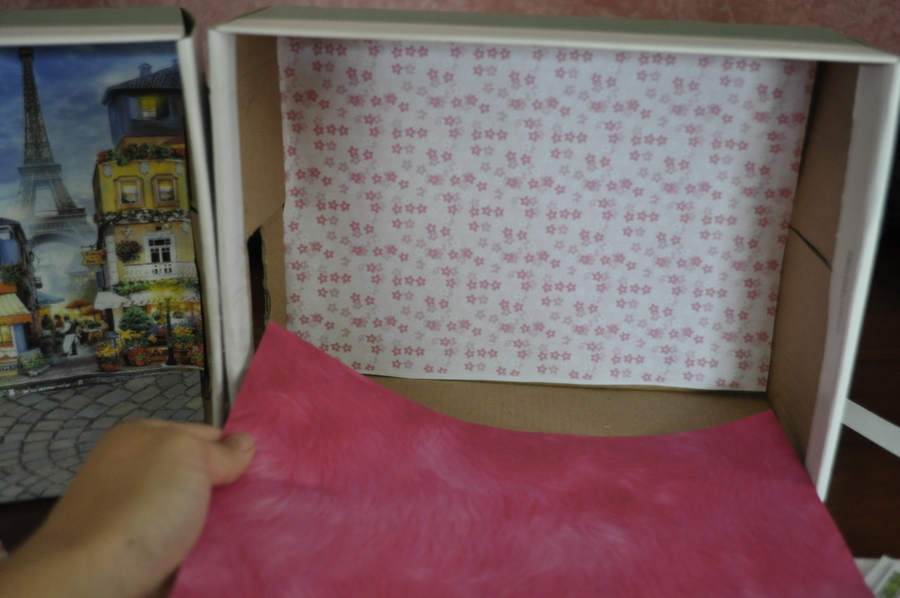 http://beafunmum.com/2015/01/diy-small-doll-bed/