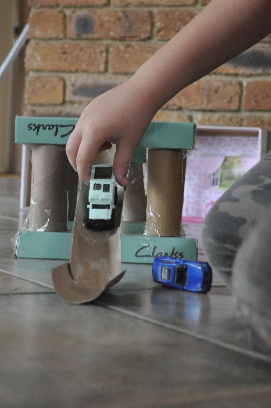 Shoebox Garage (with ramps)