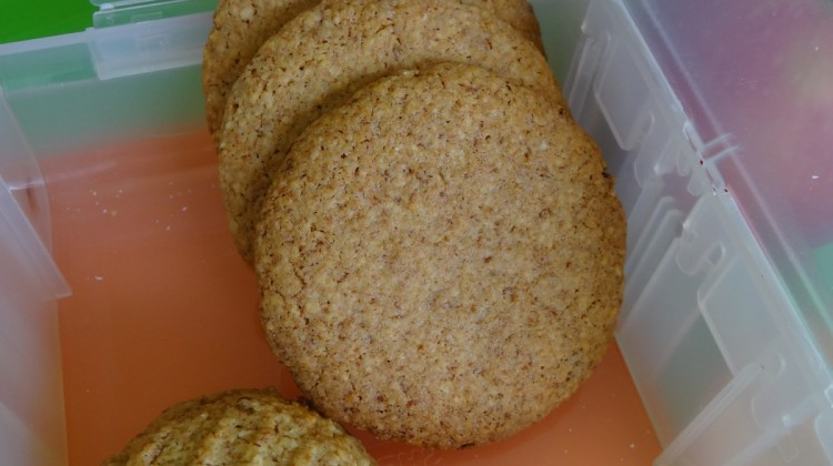 Lunch Box: Oat & Bran Cookies