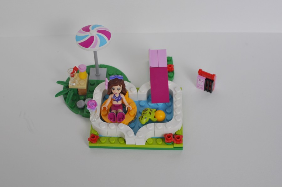 Lego Friends - Olivia's Garden Pool Review