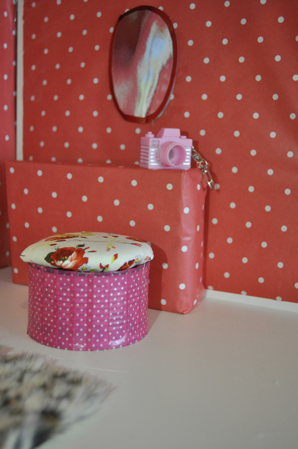 How to make a Barbie seat out of a tin can