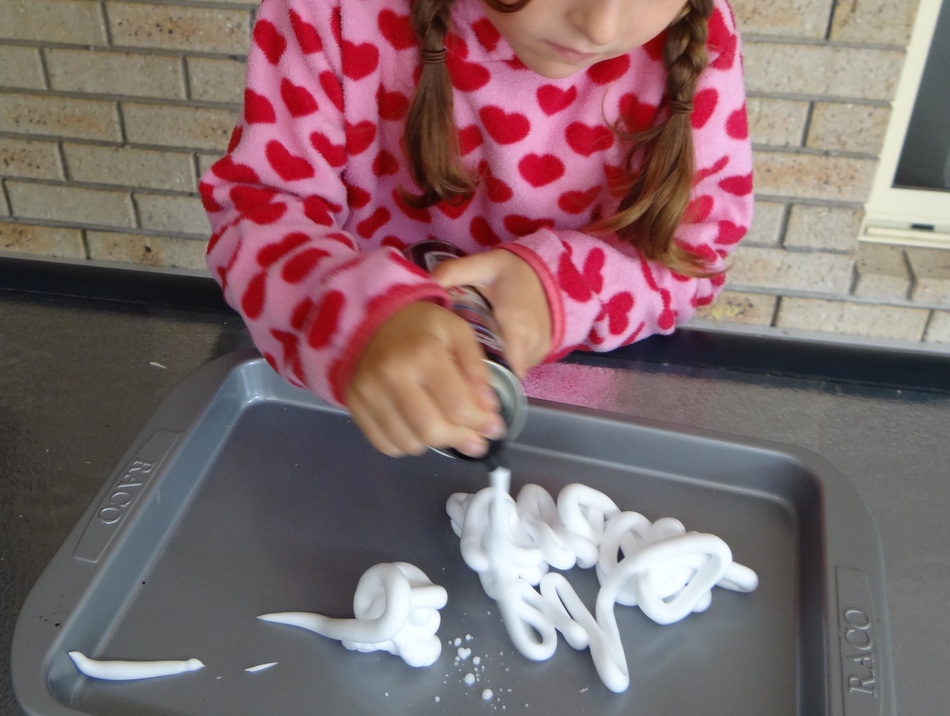 Fun for kids - shaving cream marbling - step 1