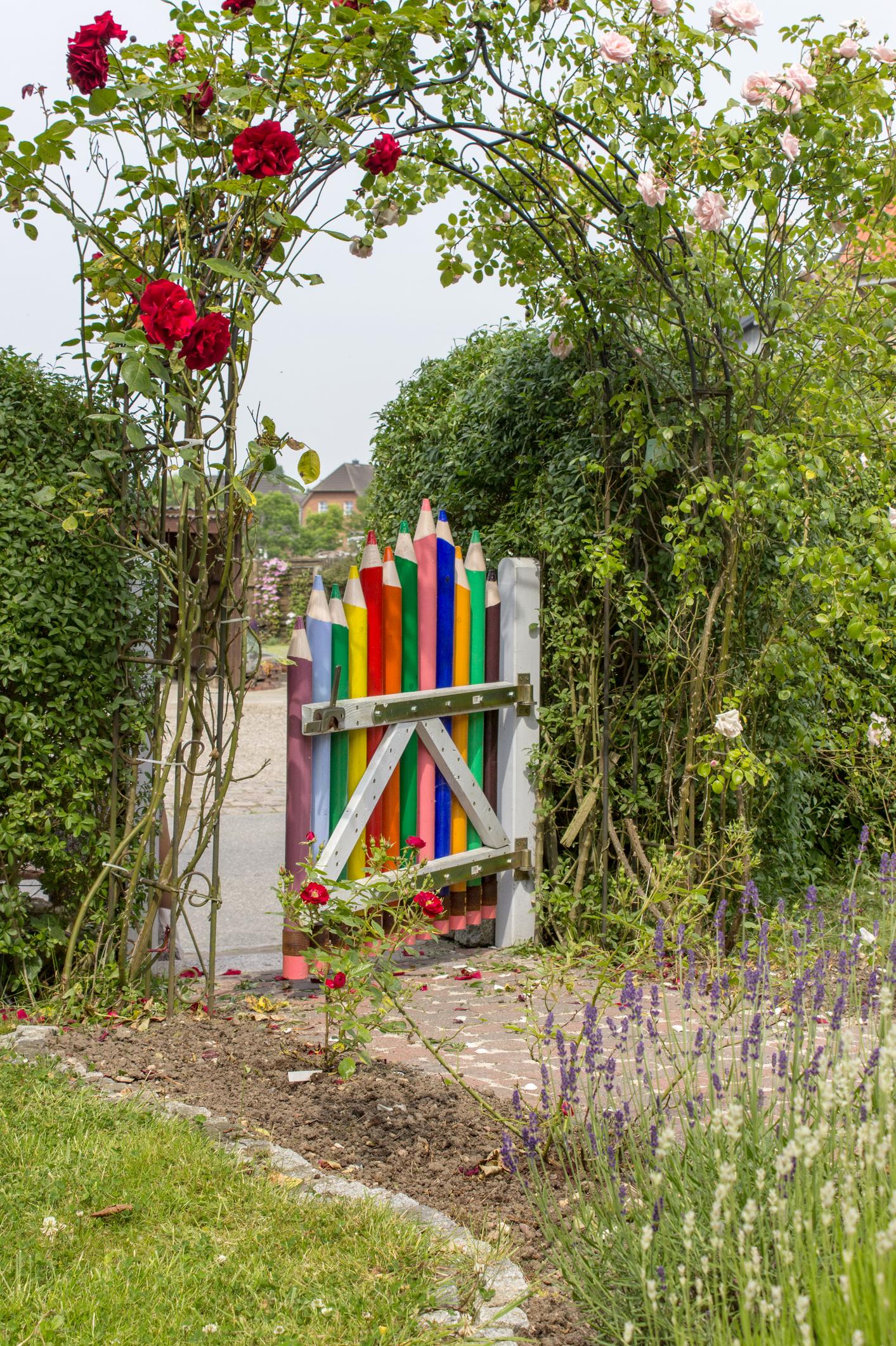 Pencil Fence / Pencil Gate - Gorgeous Garden