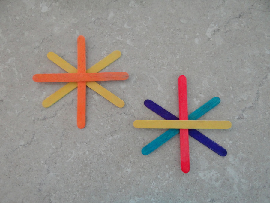 Homemade Christmas Tree Decorations - Paddle Pop Stick Stars