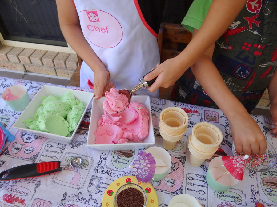 Ice cream Play Dough - it looks real!