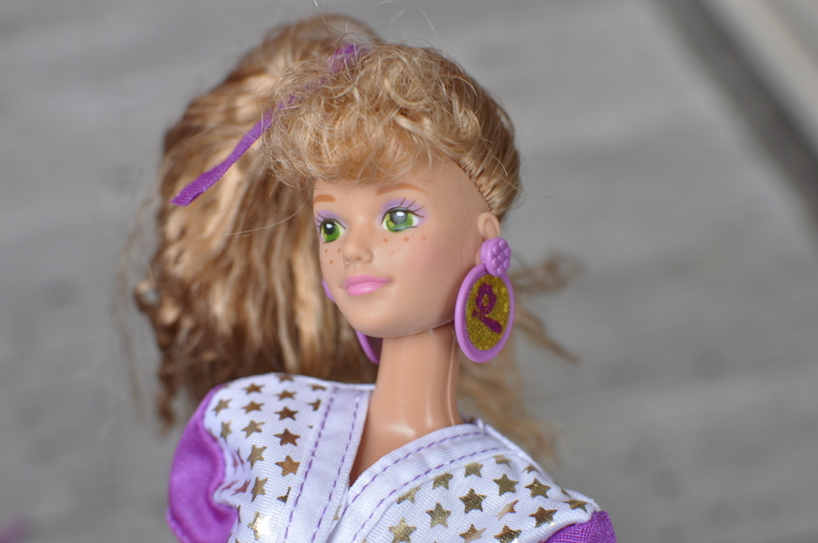 All Stars Midge Barbie 1990 Doll - earrings