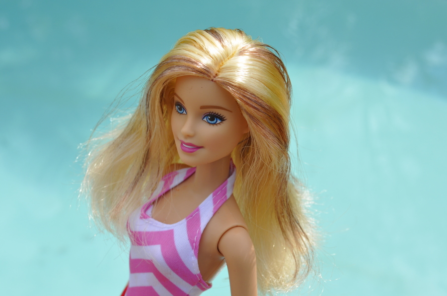 How to dye Barbie Hair