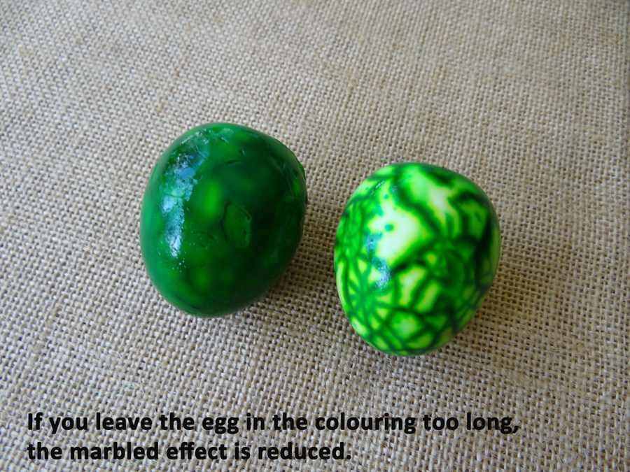 Ways to decorate boiled eggs for Easter - marbled egg