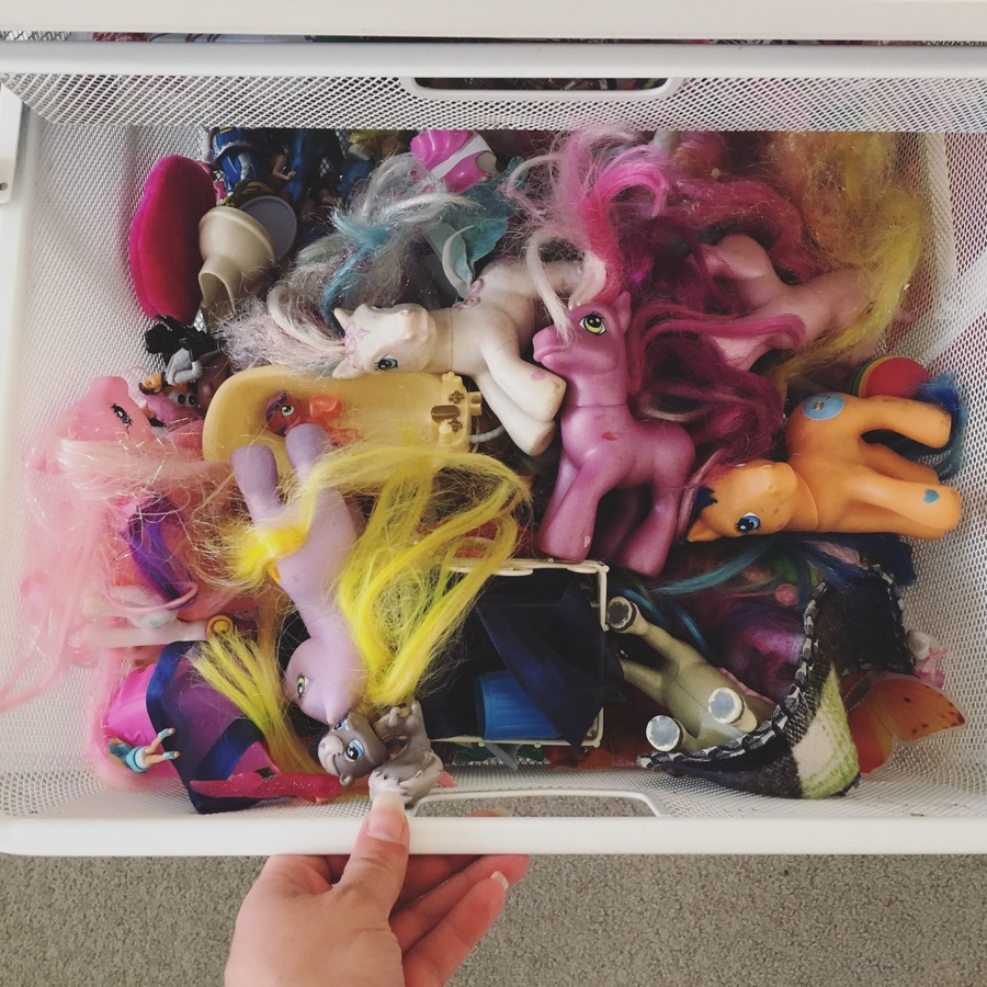 Organising Toys in bedroom
