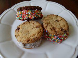 How to make a ice cream sandwich