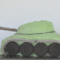 How to make a tank birthday cake