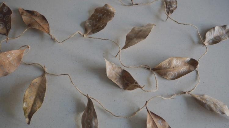 How to Make a Simple Metallic Leaf Garland