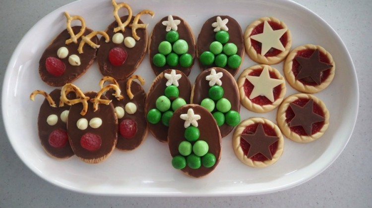 3 Easy Christmas Biscuit Ideas