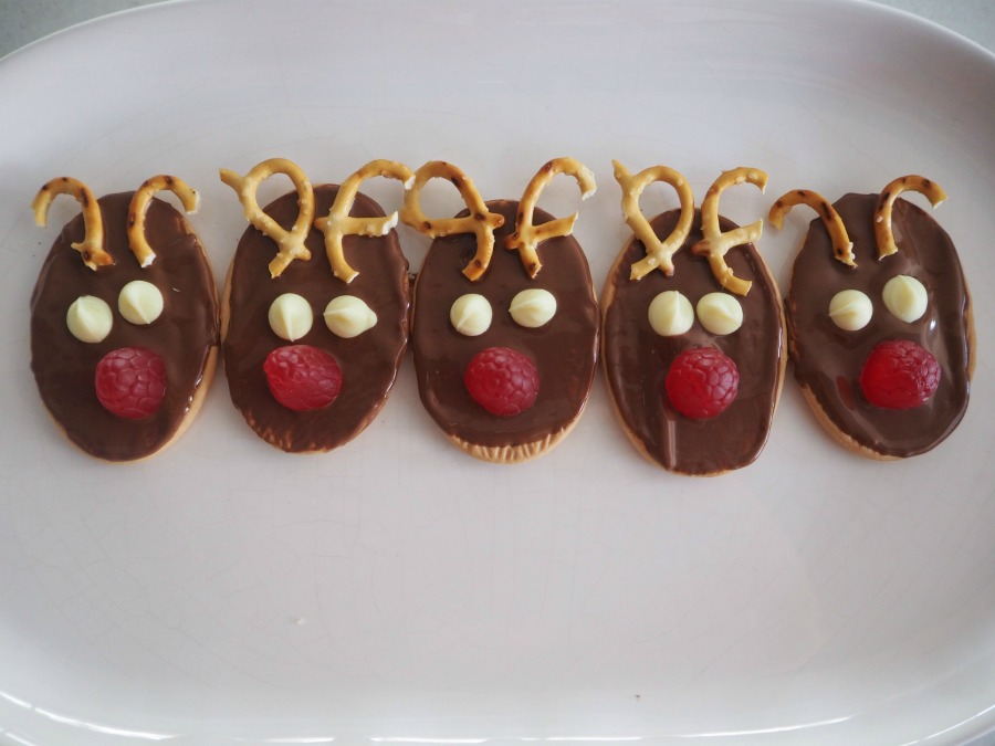3 Easy Christmas Biscuit Ideas Be A Fun Mum