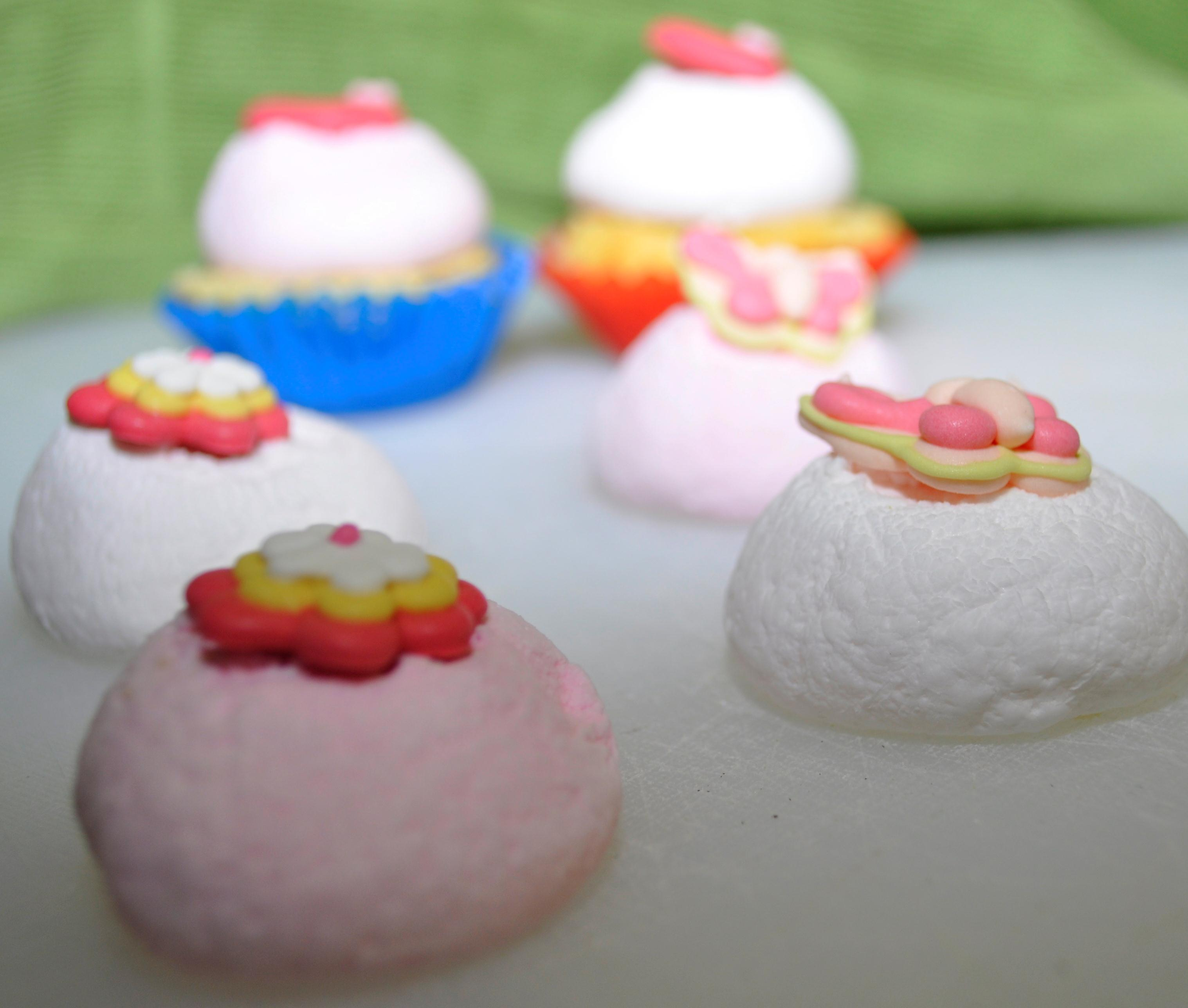 Mini Cupcakes With Marshmallow Icing Be A Fun Mum For