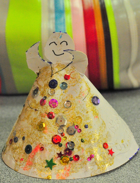 Christmas Craft -- Paper Plate Angel