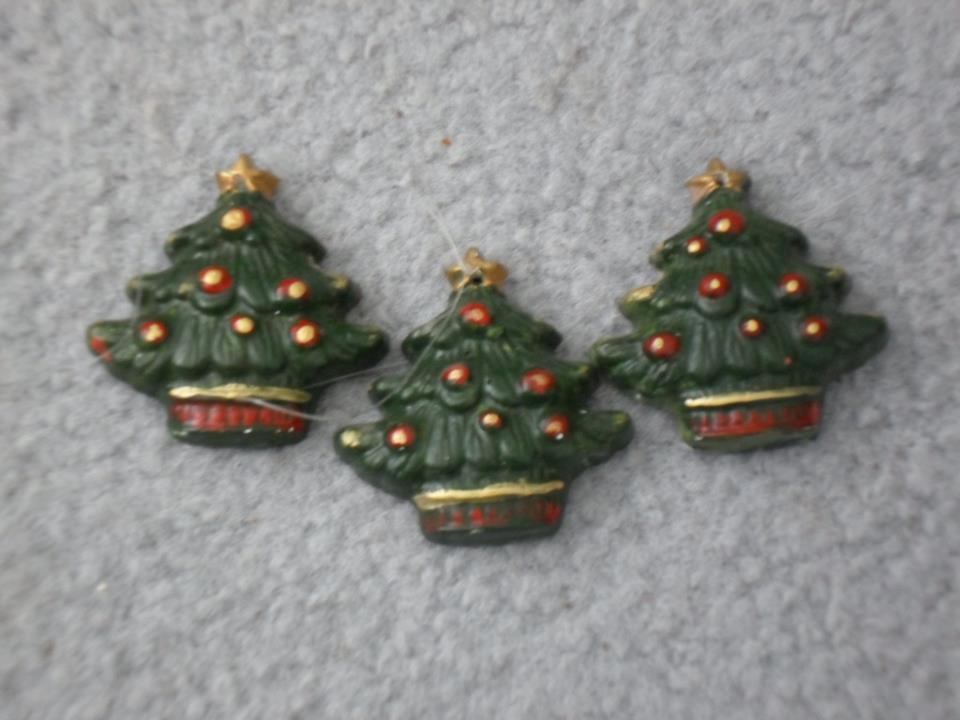 handmade Christmas decorations -- christmas tree